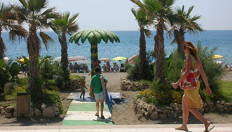 Russian visitors keep Spanish tourism afloat