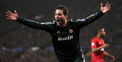 Real Madrid beat Man Utd after red-card reprieve