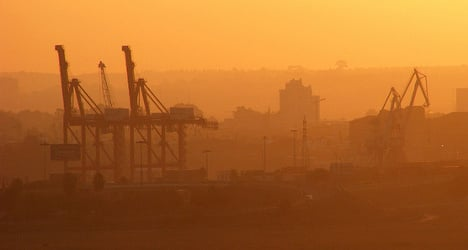 Spain's exports help narrow deficit in January