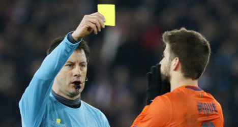 Barcelona lodge referee protest with UEFA
