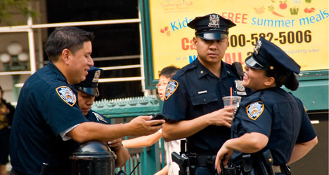 New York cop punished for speaking Spanish