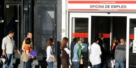 Spain's jobless numbers fall by almost 100,000