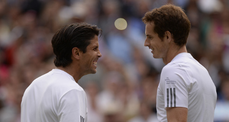 Andy Murray survives scare to down Verdasco