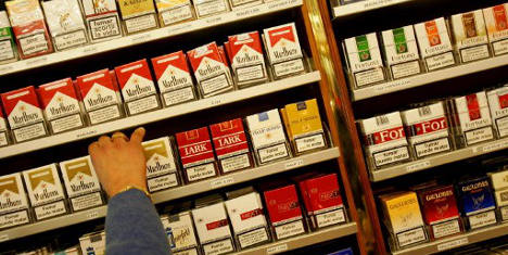 Spaniards outstrip expats in smoking spend