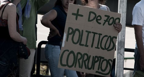 Spaniards say reporting corruption is 'pointless'