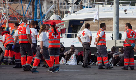 Spain rescues more than 100 migrants from sea
