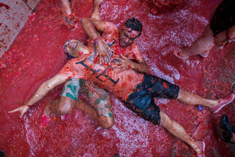 Top pics from Spain's Tomatina festival 2015