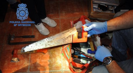 Spaniard carves up and freezes brother after row
