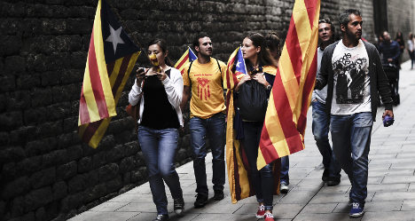 Catalans join hands in huge independence push