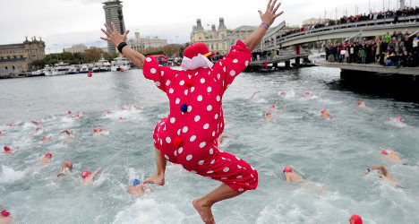 Pic of the day: Christmas swim race in Barcelona