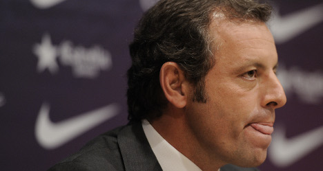 Defiant Barça boss quits over fraud claims