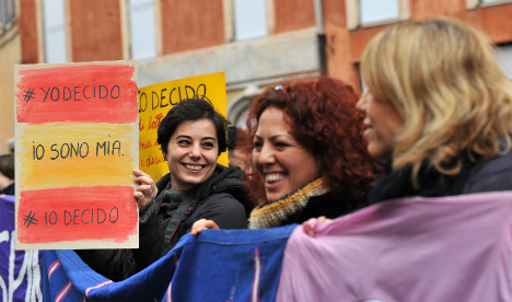 Thousands protest abortion reform in Spain