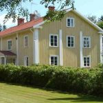 """Why not head to the country with a big group of friends? This place in Värmland, between Stockholm and Oslo, sleeps 16. The sauna, big garden (with croquet set) and the river (which you can swim in), mean you'll never be stuck for things to do. <b><a href=""""http://www.holidaylettings.co.uk/rentals/hagfors/216924?utm_source=The+Local+Sweden&amp;utm_medium=CPA&amp;utm_campaign=Search+now+button"""" _blank""""="""""""">Find out more here</a>.</b>"""