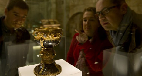 Crowds swamp church after 'Holy Grail' claim