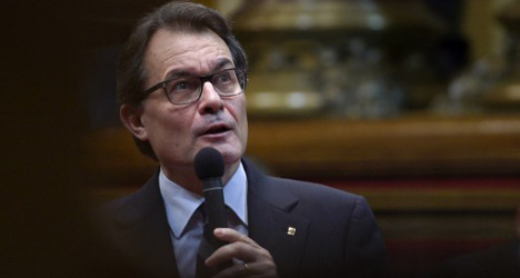 Catalonia chief vows to call independence poll
