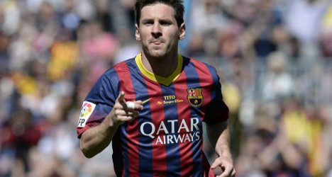 Messi signs off on new Barcelona deal