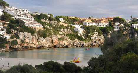 Brit dies after falling from wall in Menorca