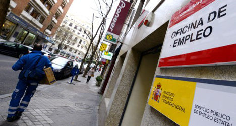111,916 people leave Spain's jobless queues