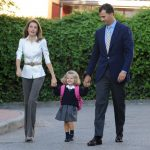 Spanish Crown Prince Felipe and Princess Letizia drop off their daughter Leonor on her first day at school in Madrid in September 2008. Photo: Philippe Desmazes/AFP