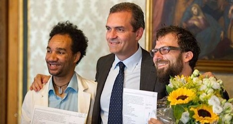 Madrid couple defy Italy's gay marriage ban