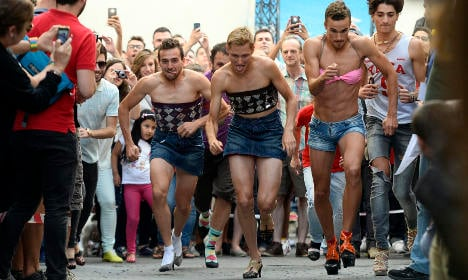 Shoe time for Gay Pride: High heels race returns