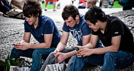 Spaniards named biggest tech addicts in Europe
