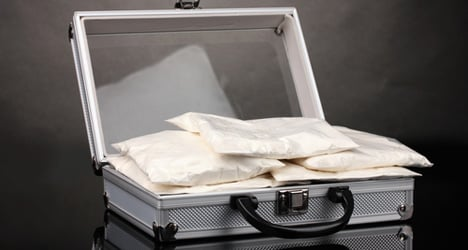 Man flings €3.3M cocaine stash out of hotel window