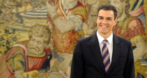 New leader wins fans for Spain's opposition: poll