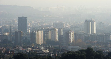Barcelona to fight smog with cheaper train tickets