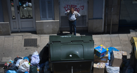 Seville sets €750 fine for rubbish rummagers