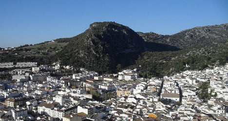 Father kills teen son and daughter in Cádiz