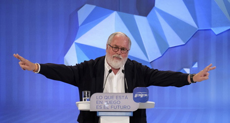 Spain's 'oil-stained' MEP 'won't be dumped'