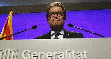 Catalan leaders to defy Madrid and stage poll
