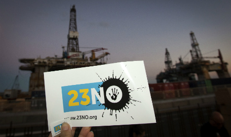 Protesters prepare to greet Canaries oil boat