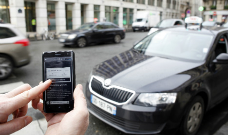 Uber suspends amateur taxi service in Spain