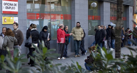 477,900 leave jobless queues in 2014