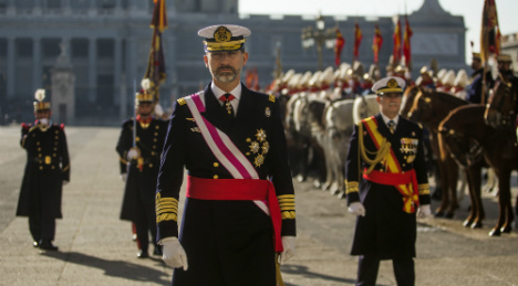 King Felipe slashes his own salary by a fifth