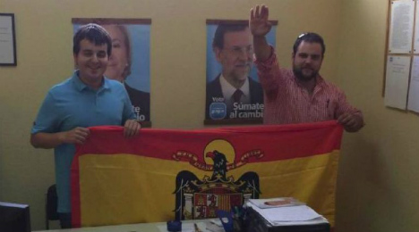 PP youth leaders quit over Nazi salute photo
