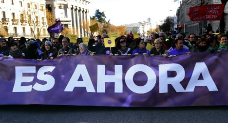 Podemos leap ahead in new poll