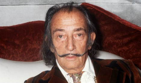 Death mask could hold key in Dali paternity suit
