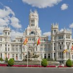 <b>Palacio de Cibeles</b>: The former Post Office headquarters that now serves as City Hall, has huge historical importance for the Republic. It was here that the first tricolor flag was hoisted on April 14th, 1931 announcing the new government.Photo: Carlos Delgado/Wikimedia