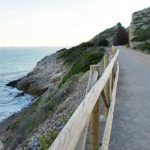 <b>Via Verde green route</b>: This gentle route along a disused railway is perfect for a summer seaside stroll or cycle ride weaving along the coastal path between Benicassim and Oropesa del Mar. Take a pause at one of the  rocky promontories along the way to enjoy views of the Costa del Azahar. Photo: Daniel Cuesta / Flickr.com