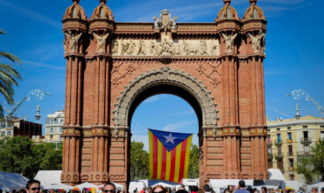 Catalan separatist flags banned in elections