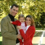 Princess Leonor pictured with her mother and father on her first birthday on October 31st, 2006.Photo: AFP