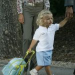 The little princess pictured on her first day at El Pardo kindergarten in 2007. Photo: Pedro Armestre/AFP