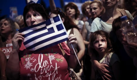 Rajoy calls for change to the Greek government