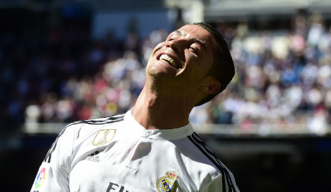 Red card for Ronaldo for urinating in street