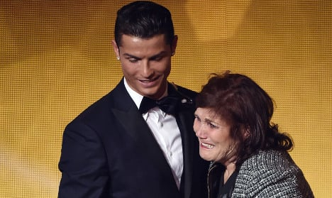 Ronaldo's mum stopped at airport with €55,000