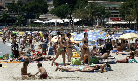 Spanish holiday islands consider limit on tourism