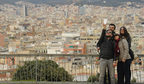 Barcelona's new mayor imposes curb on tourism